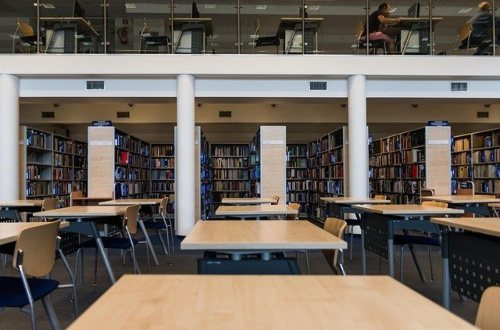 無職 体力低下 体力維持 図書館通い